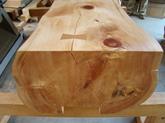 写真:ヒノキのベンチ02