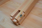 使い勝手や組み立てやすさに配慮しています 檜のテーブル